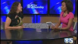 Female polyglot explains how to learn languages (CBS)