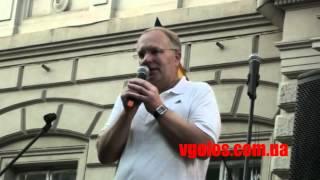 Курпіль читає вірші на захист української мови