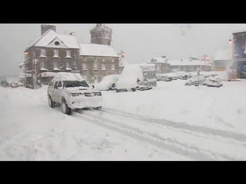 موجة من الثلوج تضرب بلدانا أوروبية وتصيبها بالشلل