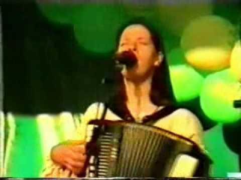Tekst piosenki The Kelly Family - Motherhood po polsku