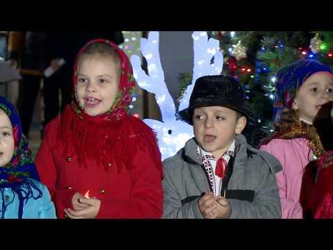 Conducerea de vîrf a țării a dat start sărbătorilor de iarnă