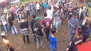 Deadflag - Binasa + Anjing Edan live at SuperRawk Padalarang