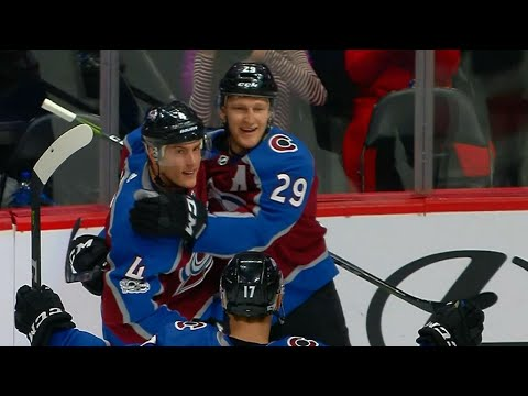 Video: MacKinnon scores Avalanches' first of the night with one-timer