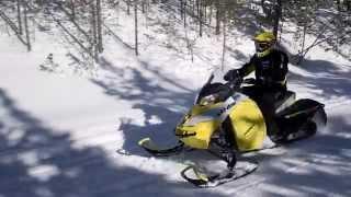 3. Snowmobile Ski-Doo 2015 - MXZ TNT