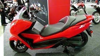4. 2014 Honda Forza 300 Scooter Walkaround - 2014 Montreal Motorcycle Show