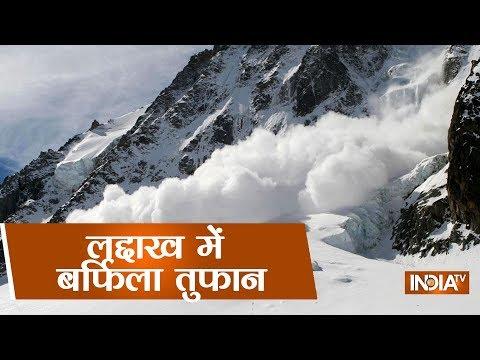 Video - Πέντε νεκροί και πέντε αγνοούμενοι από χιονοστιβάδα στο Κασμίρ
