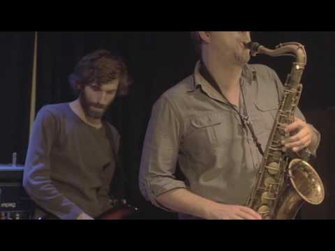 "MUFF - ""Kino"" (live from Klubovna) 2/7"