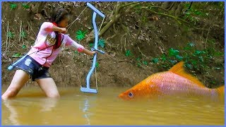 Video Amazing Girl Uses PVC Pipe Compound BowFishing To Shoot Fish -Khmer Fishing At Siem Reap Cambodia MP3, 3GP, MP4, WEBM, AVI, FLV Juni 2017