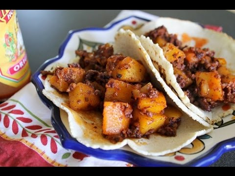 Cooking With Meli - Chorizo Con Papa Tacos.