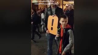 """Manifestacja """"Wrocław z nauczycielami"""" Młody uczeń spytany """"czy nauczyciele pracują 18 godzin?"""" Odpowiedź zwala z nóg."""