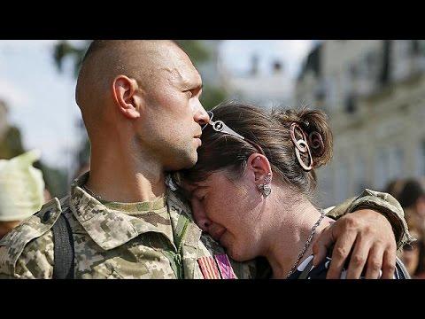 Ουκρανία: Μνημείο για τους νεκρούς στρατιώτες του Ιλοβάισκ