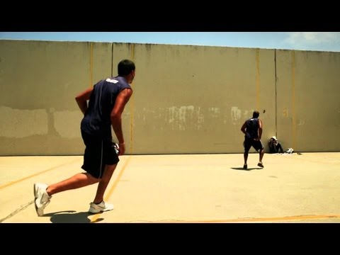 1-on-1 Street Handball Tournament – Red Bull Slaps 2013