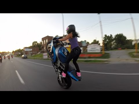 Download Crazy girl does motorcycle stunts on St. Louis streets 2015 HD Mp4 3GP Video and MP3