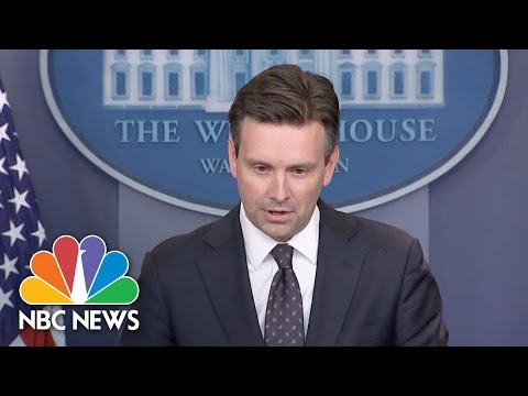 Video White House: Will 'Neither Defend or Criticize' FBI Director | NBC News download in MP3, 3GP, MP4, WEBM, AVI, FLV January 2017