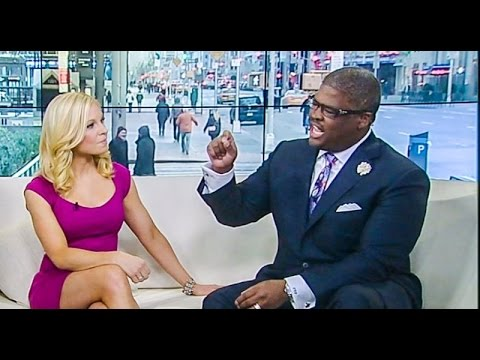 "host - Fox News host Charles Payne on Sunday said that liberals were wrong not to treat Navy SEAL Chris Kyle as a hero because the U.S. had used snipers and other types of military force to ""save..."