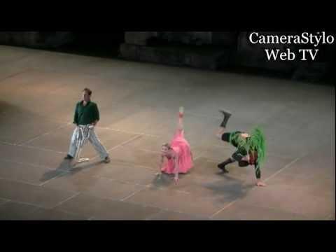 Προεσκόπηση βίντεο της παράστασης ΕΚΚΛΗΣΙΑΖΟΥΣΕΣ.