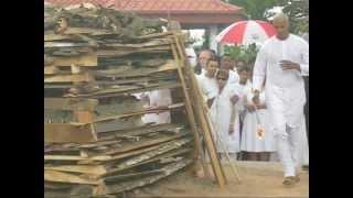 Video Hindu Cremation in Trinidad MP3, 3GP, MP4, WEBM, AVI, FLV Juli 2018