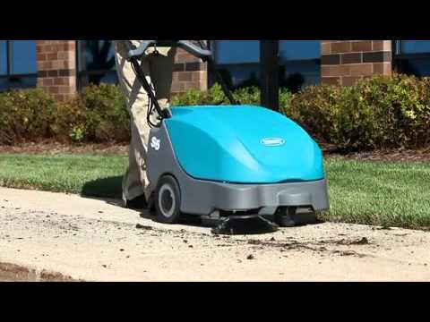 Tennant Sweepers | Excellent debris pick-up and dust control for superior results