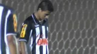 Atlético GO 2 x 3 Atlético MG Atlético Goianiense:Márcio; Adriano, Jairo, Agenor e Thiago Feltri; Robston, Pituca (Erandir),...