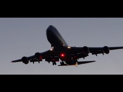 Planespotting clips of Heavy Airliners...