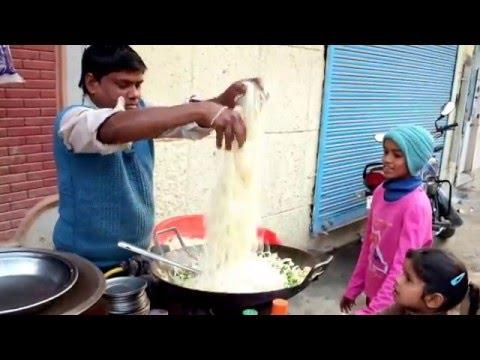 【影片】站著吃才過癮!到印度吃街頭美食吧