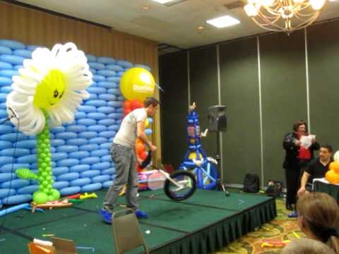 cody williams - http://www.YourTotalEntertainment.com/ -Filmed by Mr. Fudge Cody Williams impresses the Judges with his amazing showmanship and skill at the 3rd annual Flori...