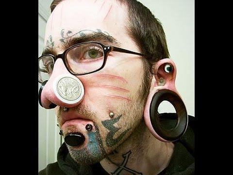 Tatuagens mais bizarras, erradas, estranhas da internet
