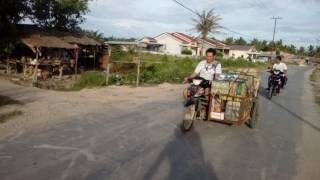 Ledong China  city pictures gallery : Anak ledong