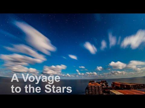 コンテナ船の視点で楽しむ青い空と青い海