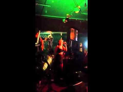 Ronya feat Axl Smith - Frontin' live @ Cuba 3.1.2012 tekijä: MsFrixou