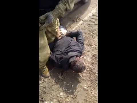 Появилось видео задержания подозреваемые в сбыте фальшивых пятитысячных купюр