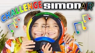 Video CHALLENGE SIMON AIR 🎵- Swan VS Néo ! - Jeu de société électronique MP3, 3GP, MP4, WEBM, AVI, FLV Mei 2017
