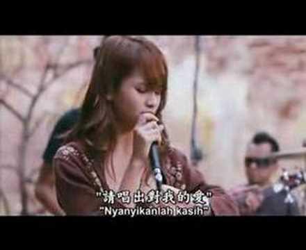Download Lagu Acha Septriasa -Ada Cinta Music Video