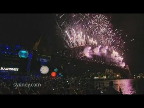 Sydney welcomes in 2014 with a spectacular fireworks display!