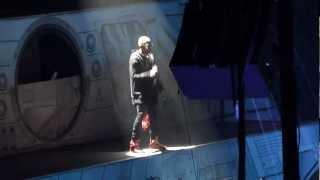 Chris Brown - INTRO + BEAUTIFUL PEOPLE LIVE ! AT Bercy PARIS 09/12/12