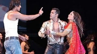 Video BIGGEST FIGHTS in Bollywood | Salman Khan, Shahrukh Khan, Aamir Khan | Bollywood Gossip MP3, 3GP, MP4, WEBM, AVI, FLV Oktober 2017