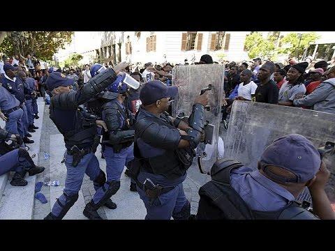 Ν.Αφρική: Επεισόδια και διώξεις στις φοιτητικές κινητοποιήσεις
