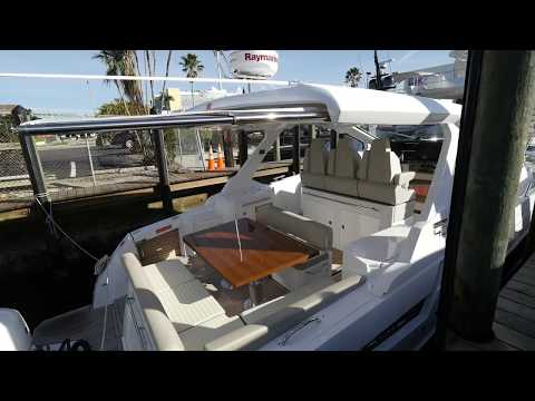 2018 Azimut Verve 40 For Sale at MarineMax Pompano Yacht Center