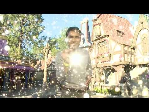 Vidal Luna Disfrutando de la Magia de Disneyland California. - Thumbnail