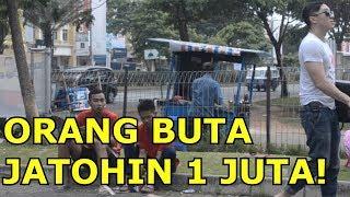 Video ORANG BUTA JATUHIN UANG 1 JUTA DI JALAN ! - Social Experiment Indonesia MP3, 3GP, MP4, WEBM, AVI, FLV Agustus 2019