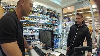 """Koks wkręca ludzi w sklepie z odżywkami – """"Zanieś to łysemu"""""""
