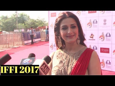 Sonali Bendre Attends Red Carpet At IFFI 2017 Closing Ceremony