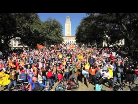 ut - Harlem Shake. Everything is BIGGER at THE University of Texas! Presented by the University Co-op http://www.universitycoop.com/ http://facebook.com/Universit...