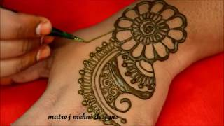 hello all easy and simple  mehndi designs for handshere is a video on https://www.instagram.com/divya080/subscribe for more videos:https://www.youtube.com/channel/UCECgulN13NACgO49LRXeQpAfacebook : https://www.facebook.com/Matroj-Mehndi-Designs-284372255239829/
