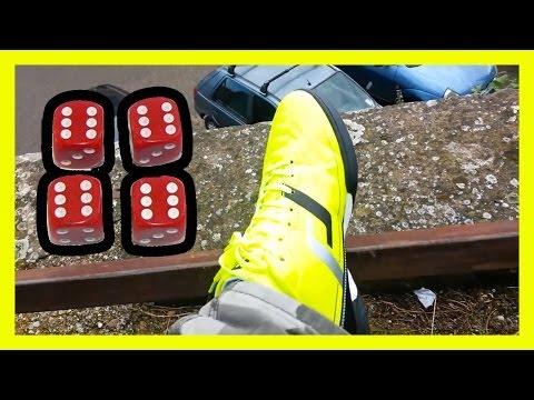 Scarpe giallo fosforescente e tappo valvola bici