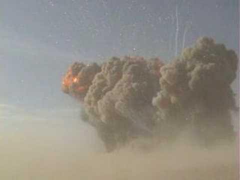 Boom - 100 toneladas de explosivos