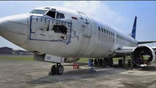Download Video Harga b@ngkai pesawat Garuda Indonesia setara Nissan X Trail baru MP3 3GP MP4