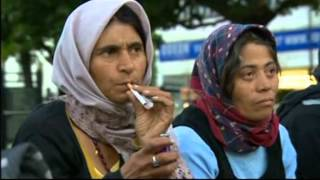 Video London: Romanian Gypsies - Homeless urged to leave the city MP3, 3GP, MP4, WEBM, AVI, FLV Oktober 2018