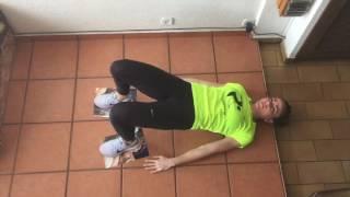 Flexión y extensión de rodillas con cadera elevada
