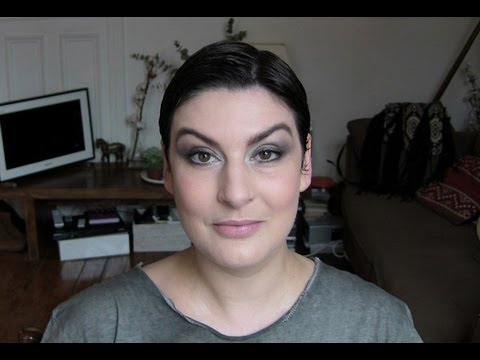 beaute Smoky léger maquillage